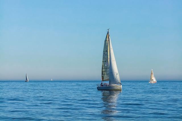 yacht-857261_640